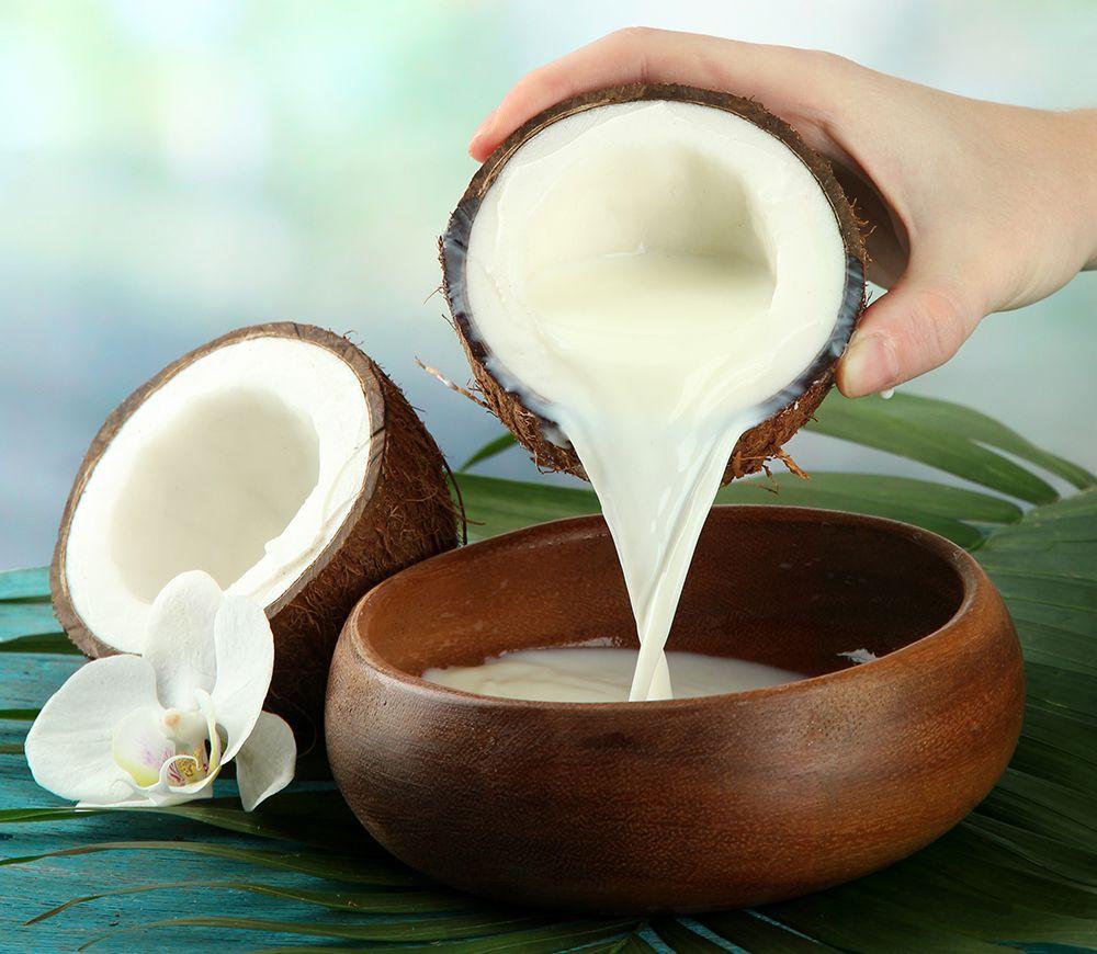 Kokosmilch und Kokosöl Wirkung für die Haut und Haare